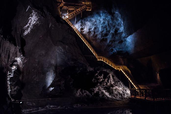 SM-stairs_lake
